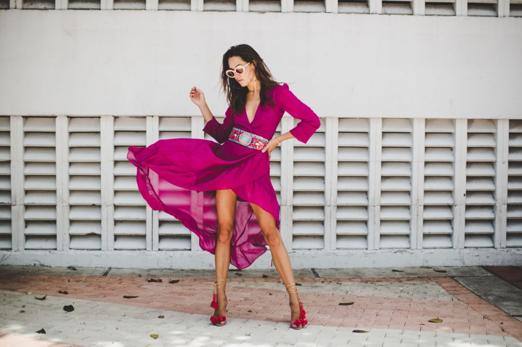 Model blogger Xenia streetstyle fashion in Miami. Photographed by Jeff Thibodeau